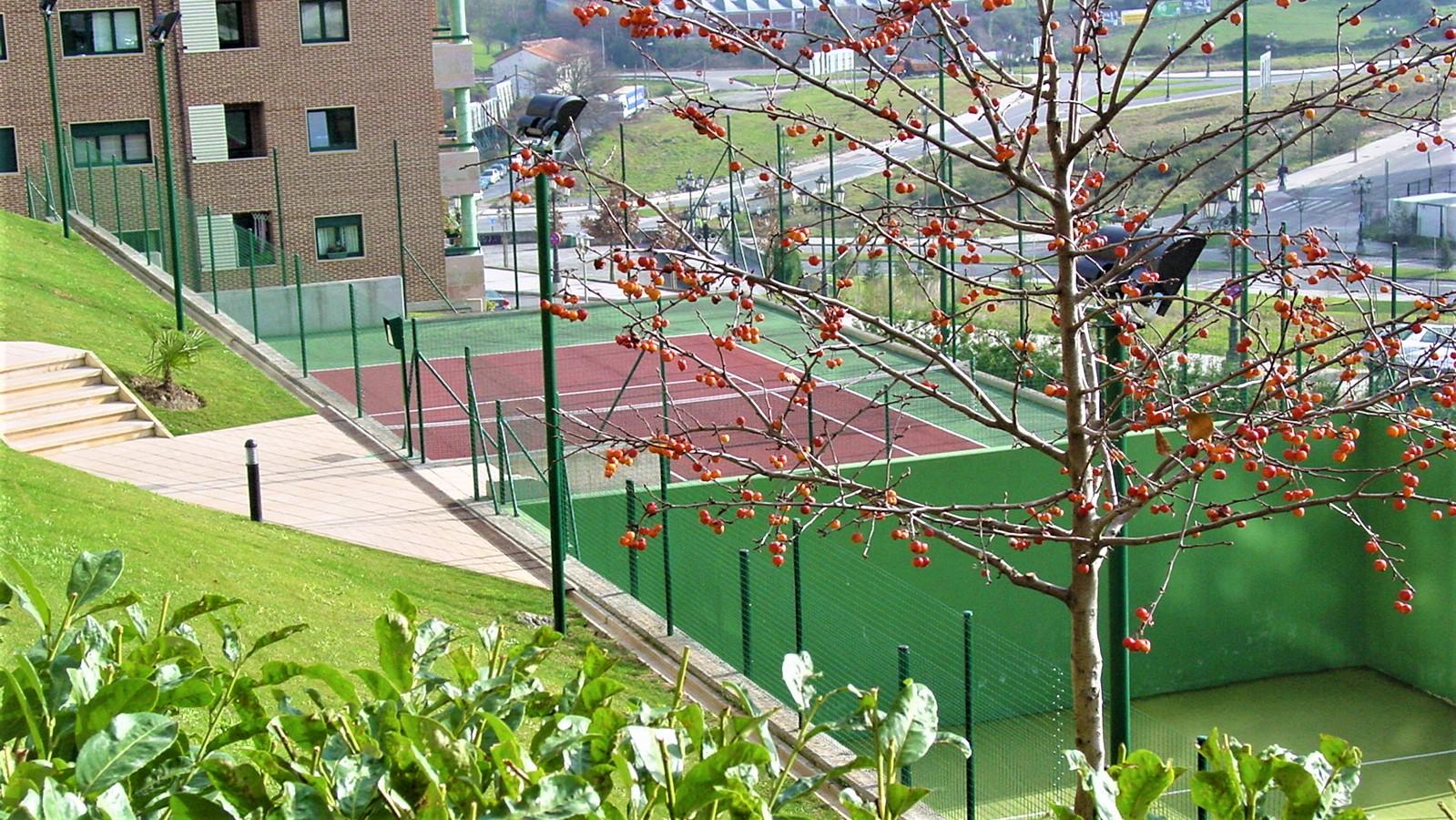 jardines del aramo tenis y padel